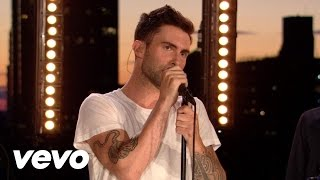 Maroon 5 - Give A Little More (VEVO Summer Sets)