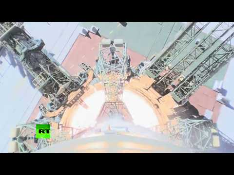 On-board camera: Moment Soyuz MS-10 booster fails