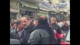 أحمد معاذ الخطيب يتجول في شوارع ريف حلب