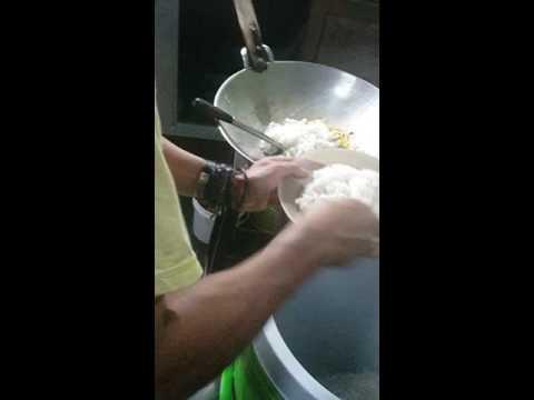 Video Nasi goreng kaki lima Rancaekek paling enak