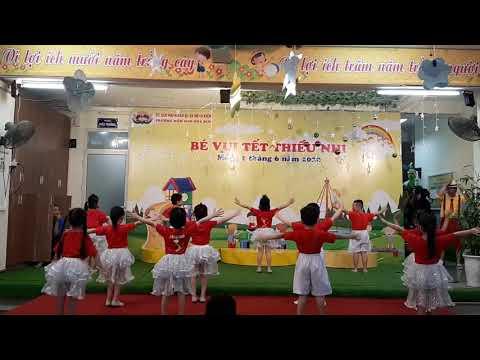 """Nhảy """"Việt Nam ơi, đánh bay Covid"""""""