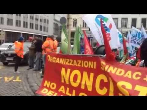 AST, lavoratori davanti a Parlamento di Bruxelles