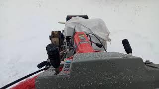 Снегоуборщик шнековый на мотоблоке.