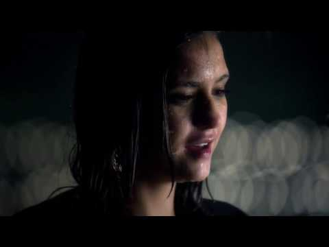 The Vampire Diaries 6x07 Elena and Damon under the rain kiss/make out