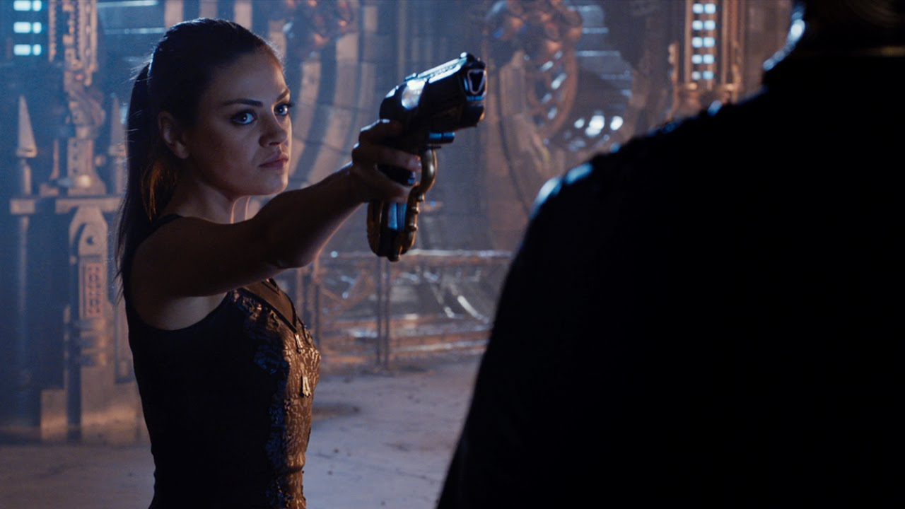 Jupiter Ascending Review: It's No Battlefield Earth, But…