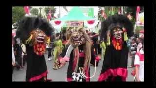 preview picture of video 'SMP PGRI Todanan Parade Seni & Budaya Blora'