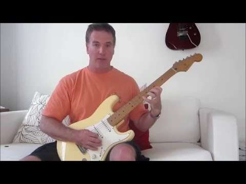 This is a classic Yngwie Malmsteen scale run with fast picking.