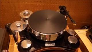Japanese Audiophile hangout.