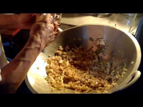 Video Nasgor Rombong Pinggir Underpass Makamhaji solo