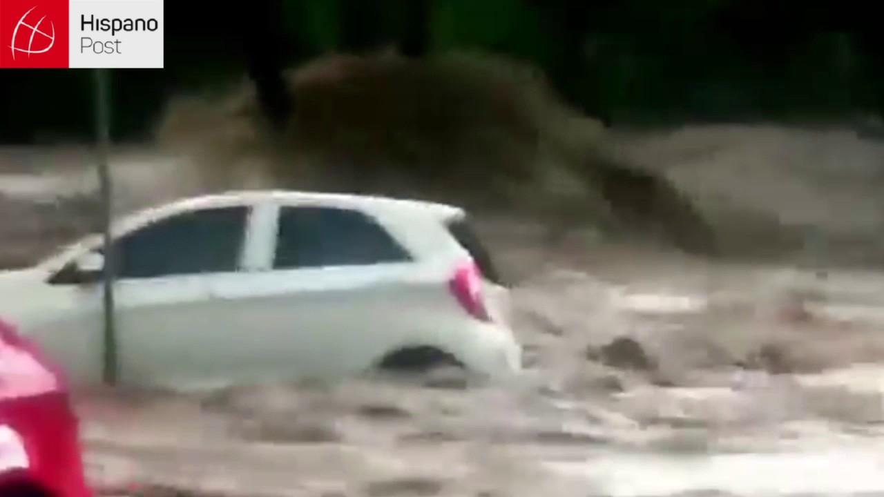 11 16 16 Lluvias transformaron las calles de Johanesburgo en ríos