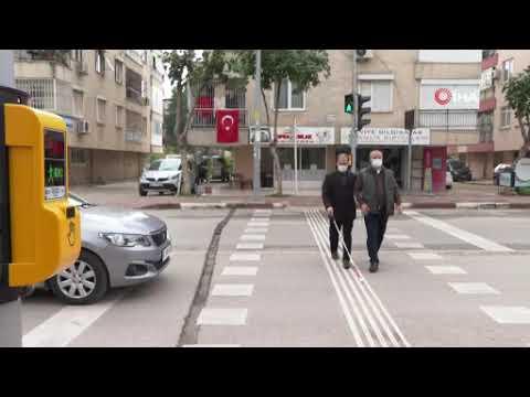 Trafik ışıkları görme engelliler için konuşacak