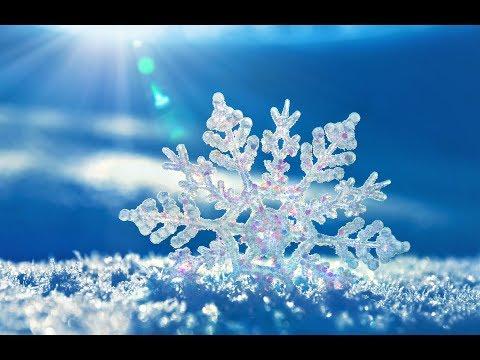 """Песня из фильма """"Чародеи"""", Пока часы 12 бьют на английском (Snowflake)"""