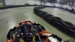 preview picture of video 'Karting indoor Joue-les-Tours'