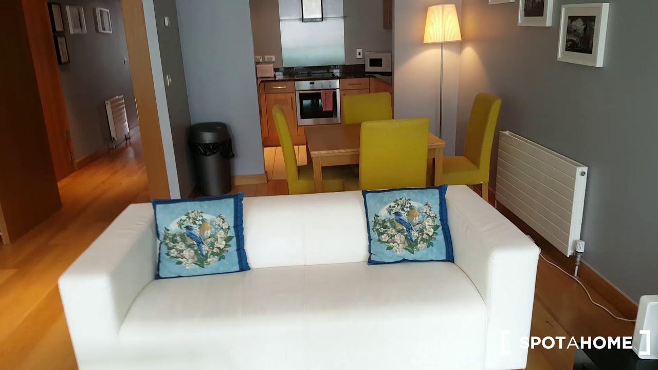 Luxury 2-bedroom flat with balconies to rent in North Inner City