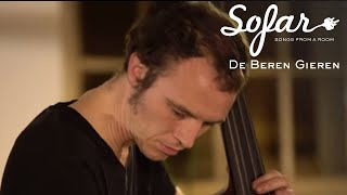 Check out this awesome live video: De Beren Gieren @ Sofar Sounds London!