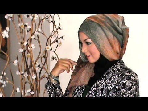 Video Tutorial Hijab Pesta Modern dan Simple by Revi
