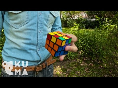 Watch This Guy Solve A Rubik's Cube With One Hand While Juggling