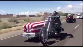 Choper Funeral Last Ride / El ultimo adios de un motociclista