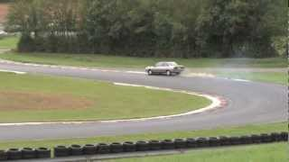 preview picture of video 'circuit de la chatre 2011 renault 21 2 litre VS honda civic 16s.mov'