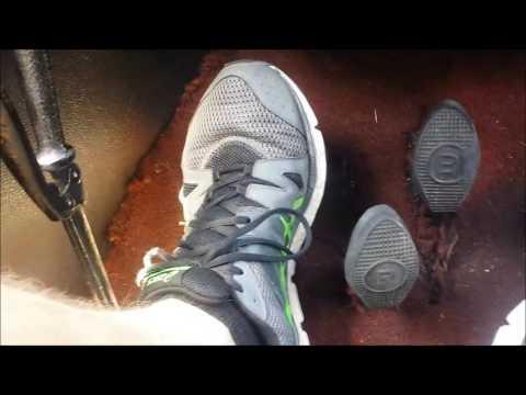 Dziecko masaż stóp z koślawego wideo