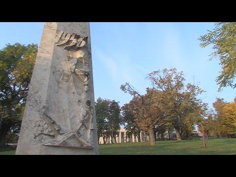 Megemlékezés a Tabáni 56-os emlékműnél - video preview image