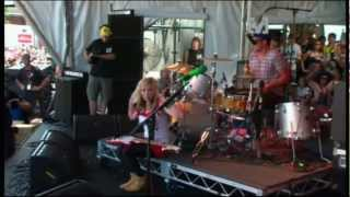 The Ting Tings - Shut Up & Let Me Go (Big Day Out 2009)