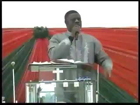 Wani Pastor kenan yayin  da  yake fadama magoya bayansa kada su zabi Nasiru EL Rufai