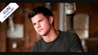Taylor Lautner singing Apologize