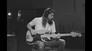 Dave Grohl   Play [Isolated Bass]