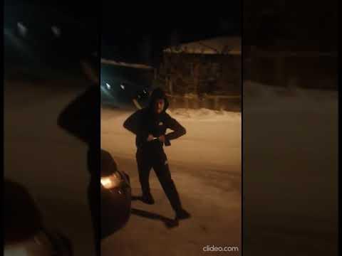 Водитель, угрожавший ножом бдительному якутянину, доставлен в полицию
