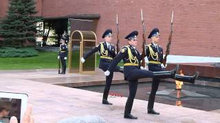 Changing of the guard at the Kremlin (HD)