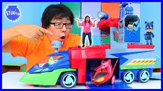 CATBOY HELPS RYAN'S MOMMY DEFEAT SCIENTIST ROMEO WITH PJ MASKS HEADQUARTER PLAYSET!
