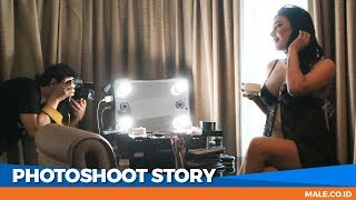 Download Video Canda Seksi di Behind the Scenes Photoshoot Model EVELYN - Male Indonesia MP3 3GP MP4