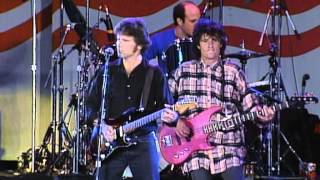 John Fogerty - The Old Man Down The Road (Live at Farm Aid 1985)