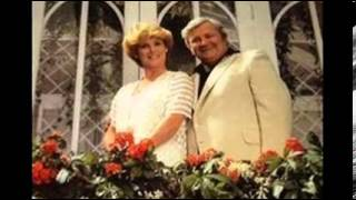 Well Gather Lilacs HARRY SECOMBE & MORIA ANDERSON
