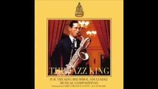 เพลงพระราชนิพนธ์ ยามเย็น โดย Larry Carlton