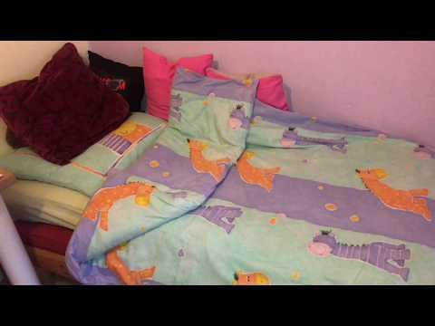 Bettzeug überziehen Anleitung Bett machen mit Kopfkissen und Zudecke Hausarbeit Anleitung
