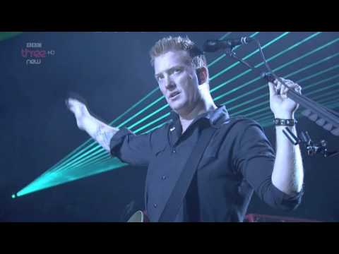 Queens of the Stone Age - Feel Good Hit of the Summer - Live Reading Festival 2014