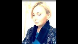 Элина Камирен показала содержимое своей сумочки ))
