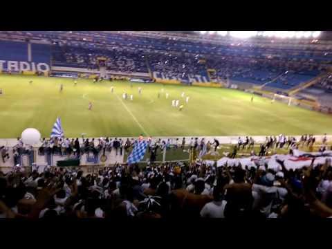 """""""Últimos minutos y la fiesta no para - Como no te voy a quereeeer"""" Barra: La Ultra Blanca y Barra Brava 96 • Club: Alianza"""