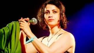 تحميل اغاني أمال مثلوثي - الدنيا طويلة MP3