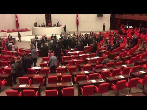Meclis'te tartışma çıktı, oturuma ara verildi