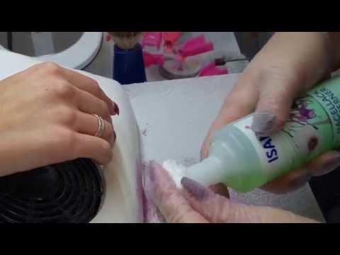 Der Mittelpunkt der Behandlung gribka der Nägel moskwa