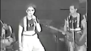 Devo - Gut Feeling - 1977 - maybe first time in live
