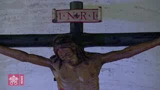 主,我们恐惧害怕,求祢拯救我们