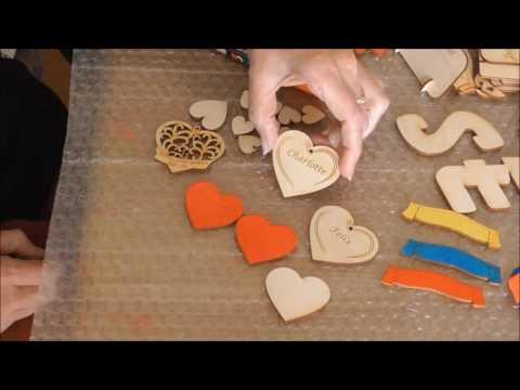 Tischkarten aus Holz beschriften mit Posca Stiften, Herzchen für TischdekoTischkarte mit Ihrem Namen