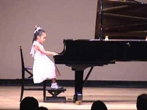 Uma Incrível Pianista de 6 Anos de Idade