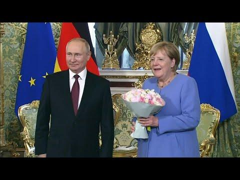 ميركل في زيارة وداعية: حوارنا مع روسيا مهم رغم الخلافات