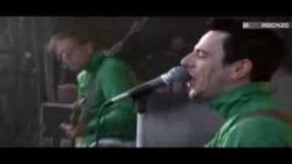 Beatsteaks - Hand In Hand (Live)