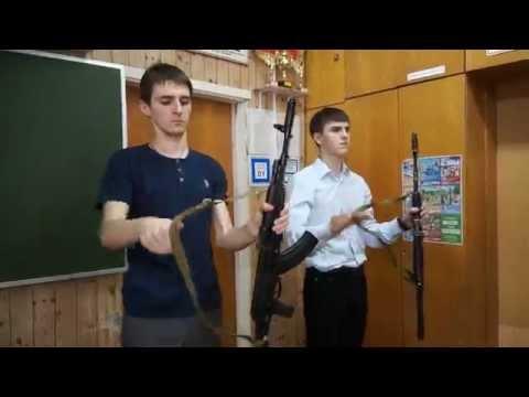 ШКОЛА МОЛОДОГО БОЙЦА (Аннотация: Оружие - в мирные руки)